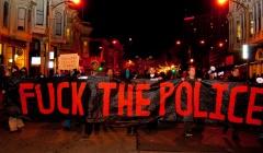 FILADELFIA, EE.UU.: AUTOS DE POLICÍA ATACADOS POR DICIEMBRE NEGRO