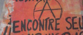BRASIL: CARTELES EN LAS CALLES DE PORTO ALEGRE. (ES/PT)